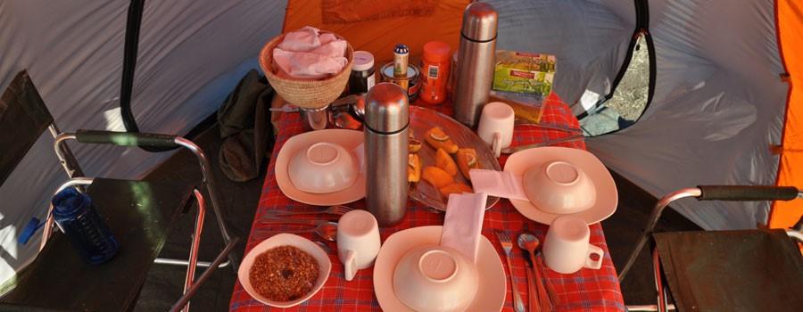 ארוחת בוקר על קילימנג'רו טרק