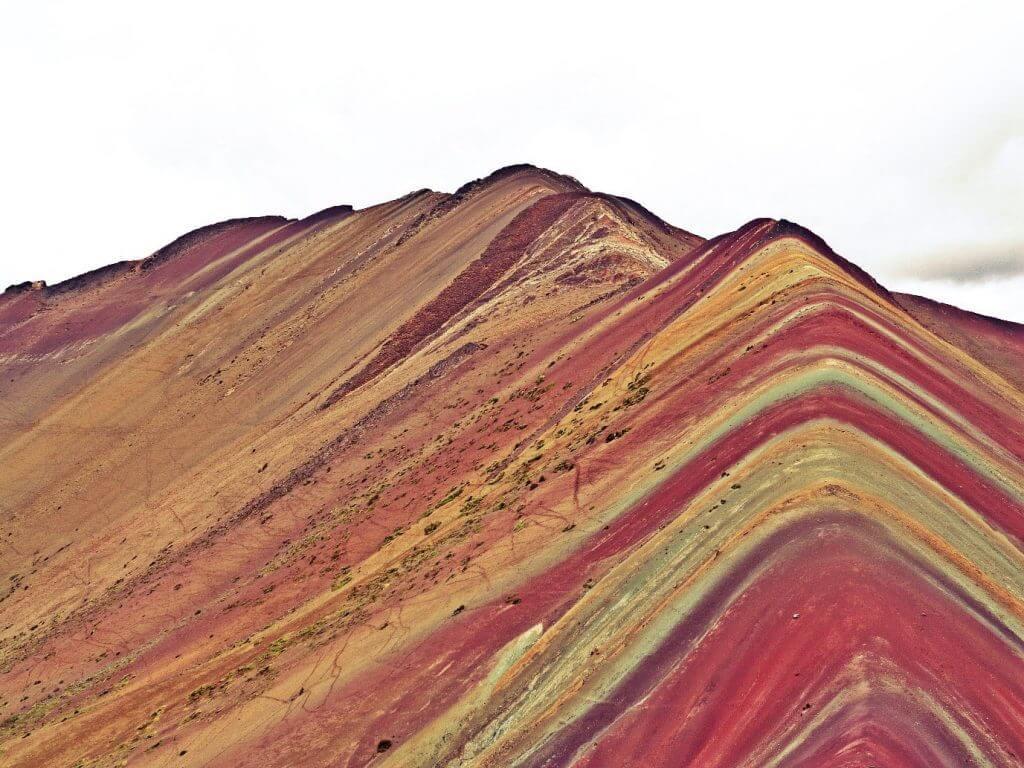 הר חול צבעוני בפרו